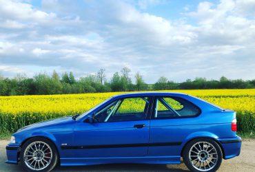 BMW2500 klases automobilis